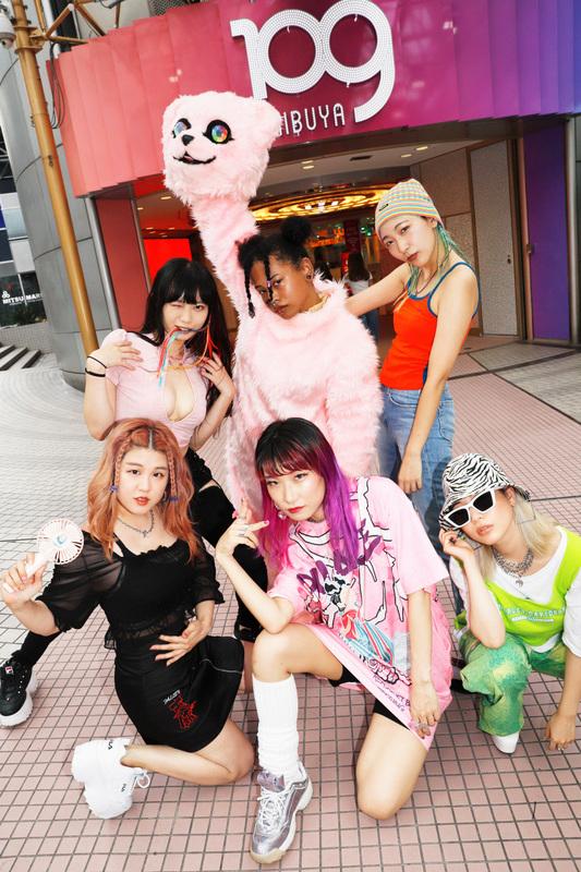 Zoomgals, あっこゴリラ, なみちえ, valknee, ASOBOiSM, 田島ハルコ & Marukido